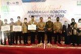 Siswa MTsN 1 Makassar raih empat medali pada ajang Madrasah Robotic Nasional
