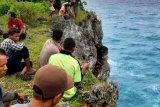 SAR  evakuasi pemancing jatuh dari tebing di Sumba Barat Daya