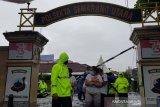 Terendam banjir, tujuh tahanan Polsek Semarang Utara dievakuasi