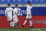 Dua gol Varane antar Madrid kalahkan Huesca 2-1