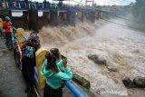 BMKG : Pulau Jawa berstatus siaga potensi banjir