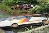 Setelah dirawat 10 hari, Kadis Perikanan Agam korban kecelakaan di Madina meninggal dunia