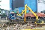 13 pintu air di DKI Jakarta berstatus Siaga III