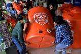 Bantuan penampungan air bersih untuk pengungsi korban gempa