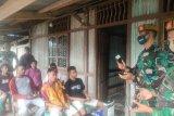 Satgas Yonarmed gelar pelatihan pangkas rambut bagi warga perbatasan