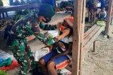 TNI-Polri edukasi warga Mamberamo Tengah mencegah COVID-19