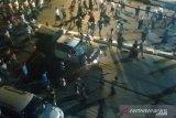 Ribuan pengunjuk rasa turun ke jalan di kota-kota besar di Myanmar