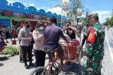 Kodim Jayawijaya bagikan 3.000 masker gratis kepada warga