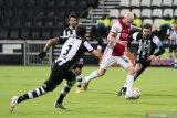Liga Belanda-Ajax kukuhkan posisi puncak seusai menang di kandang Heracles 2-0