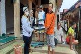 Komunitas FB Pekalongan Curhat bagikan 100 pembersih lantai