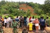 SAR evakuasi 26 korban tertimbun longsor di Nganjuk Jatim