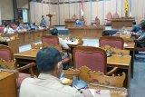 Rapat Komisi I DPRD Kotim diwarnai pengusiran kuasa hukum perusahaan