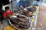 Penjual Ikan Salai Khas Palembang