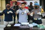 Polisi tangkap pengedar narkoba dikendalikan napi Lapas Kendari