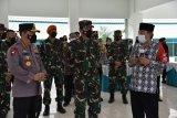 Panglima TNI dan Kapolri meninjau Posko PPKM Maguwoharjo Sleman