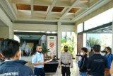 Ratusan pahlawan devisa dari Malaysia tiba di Bandara Lombok