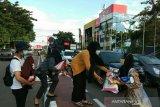 BEM Unsri bagikan masker kepada warga ajak tingkatkan prokes