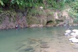 Keseruan berwisata ke Pemandian Lori  Lubuk Minturan Padang