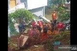Wah, Tanah longsor timpa sejumlah rumah di Jakarta