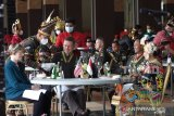 Kasad menjamu Kasad AS dengan jamuan tradisional Indonesia