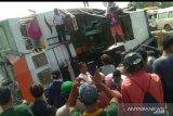 Belum ada laporan korban jiwa feri terbalik di Sambas
