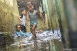 Haji Lulung sebut Anies masih ditolong Tuhan soal banjir Jakarta lebih cepat surut