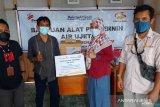 Perusahaan Grup Bakrie-KPKPST  bantu warga Donggala alat pemurni air