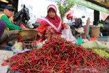 Harga cabai merah di Pasar Baturaja berangsur  turun Rp55.000/Kg