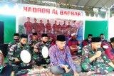 Satgas Yonif MR 413 tampilkan kesenian hadrah hibur warga di perbatasan RI-PNG