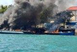 Empat unit kapal terbakar di dermaga Bea Cukai Batam
