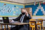 Keluarga anak sekolah di Inggris akan dites COVID-19 dua kali seminggu