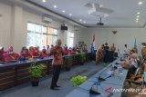 Ribuan guru honorer di Pasaman Barat adukan nasib ke anggota DPR RI