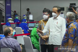 Presiden tinjau vaksinasi COVID-19 untuk wartawan di GBK