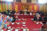 Syukuran dalam rangka memperingati hari jadi kabupaten Mukomuko ke-18 tahun di Balai Daerah Kamis (25/2). (Adv)