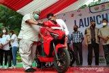 Gubernur Sultra luncurkan motor listrik GESITS berbasis baterai