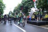 Gowes sinergi & bakti sosial ala TNI Polri NTB