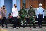 Presiden Jokowi ke Yogyakarta meninjau vaksinasi dan meresmikan KRL