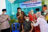 Lansia dan aparatur pelayan publik mulai divaksin di Padang