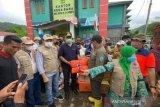 Gubernur NTB meninjau korban banjir Dompu