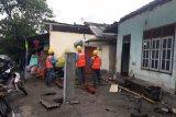 Puluhan rumah warga di dua desa Suela Lotim rusak parah diterjang angin puting beliung