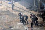 Tentang penindasan junta militer, kantor  polisi Myanmar diserbu