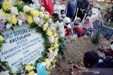 Gubernur Riau beri santunan keluarga prajurit korban teroris Poso