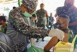 Sebanyak 74 orang anggota TNI di Pasaman Barat disuntik vaksin COVID-19