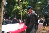 Bupati Kolaka Utara memimpin pemakaman korban kontak tembak MIT Poso