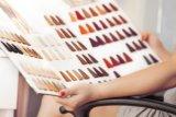 Warna cokelat dan vivid akan hiasi tren warna rambut 2021