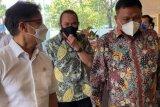Gubernur Olly dampingi Menkes Budi tinjau vaksinasi massal lansia