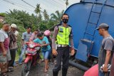 Truk CPO muatan 20 ton lebih dilarang melintasi jembatan darurat Sungai Paku Kinali