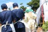Tim forensik autopsi jenazah korban pembunuhan di Mataram