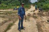 Masyarakat Kapuas minta perbaikan jalan poros desa