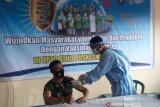 Puluhan prajurit Kodim 1620/Lombok Tengah mengikuti vaksinasi COVID-19